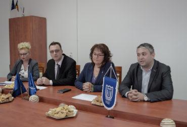 """Prevenirea consumului de droguri în rândul elevilor de liceu a fost ținta unui proiect derulat la Facultatea de Ştiinţe ale Educaţiei, Psihologie şi Asistenţă socială din cadrul Universităţii """"Aurel Vlaicu""""din Arad. Proiectul, derulat cu sprijinul financi"""