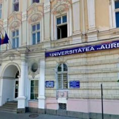 """Aurel Vlaicu"" University of Arad adjourns all courses"